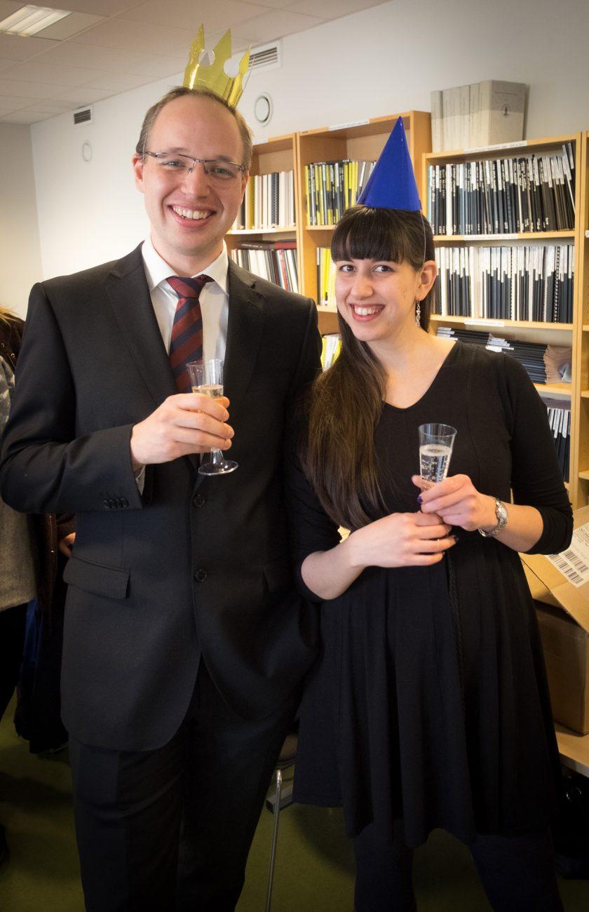 Jeg og Aina med champagne i glassene